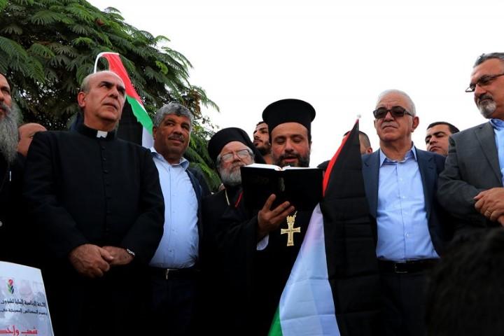 تقرير الإخبارية السورية حول تضامن وفد اللجنة الرئاسية لشؤون الكنائس مع الخان الأحمر